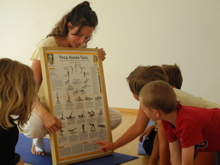 Kids Yoga in Villach with Mira Yoga